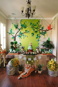 Safari 1st BIrthday Party | BloomingTable