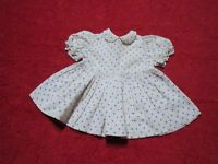Schöne alte Puppenkleidung - Niedliches weißes Kleid mit blauen Punkten