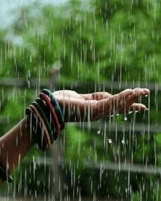 Awful day wet and windy and brrrrr 😞😞 Rainy Day Photography, Rain Photography, Girl Photography Poses, White Photography, Walking In The Rain, Singing In The Rain, Rainy Day Wallpaper, Rain Pictures, Rain Wallpapers