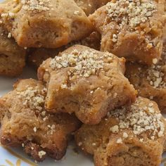 Melomakarona are aromatic, moist and cakey Greek cookies traditionally made for Christmas. Find the easiest way to cook it, here. Greek Sweets, Greek Desserts, Sugar Free Desserts, Sweets Recipes, Greek Recipes, Healthy Desserts, Cookie Recipes, Healthy Food, Christmas Dishes
