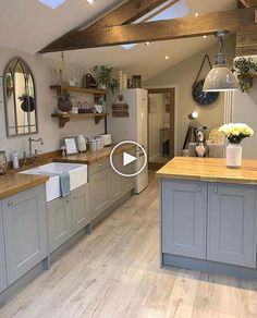 Home Remodeling Costs 34 The Number One Article on Small Kitchen Remodel Cost Fast and Easy - decorincite Rustic Country Kitchens, Country Kitchen Designs, Cottage Kitchens, Home Kitchens, Kitchen Rustic, Country Decor, Grey Kitchens, Country Style, Farmhouse Decor