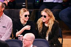 13 Times the Olsen Twins Warmed Our Hearts With Silly Grins Ashley Mary Kate Olsen, Ashley Olsen, Olsen Sister, Olsen Twins, Michelle Tanner, Wearing All Black, Child Actresses, Brown Jacket, Celebs