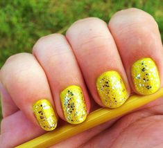 Yellow nails with silver glitter nails glitter nail yellow silver pretty nails nail art nail ideas nail designs