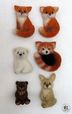 Fox brooch wool pin sleeping fox jewellery fox stuffed animal miniature gift for her jewellery fox lover kawaii Wool Needle Felting, Needle Felting Tutorials, Needle Felted Animals, Wet Felting, Felt Animals, Felted Wool, Felt Fox, Donia, Felt Brooch