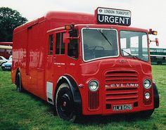 London Transport, Road Transport, Classic Trucks, Classic Cars, Retro Bus, Transportation, Automobile, Buses And Trains, London History