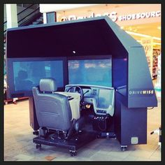 Come put your driving skills to the test with this driving simulator this Saturday, May 24th, from 11am to 3pm !