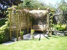 Corner Yard Pergola With Trellis