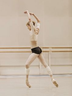 Sarah Lamb in rehearsal by Johan Persson for The Royal Ballet. Photo by Johan Persson