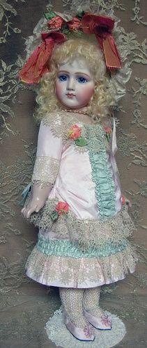 Portrait Jumeau - Emily Hart Dolls