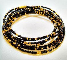 Black & Gold African Waist Beads Italian Gold Jewelry, Black Gold Jewelry, Gold Rings Jewelry, Jewelry Sets, Waist Jewelry, Body Jewelry, Gold Jewellery Wallpaper, Waist Beads African, Design Art Nouveau