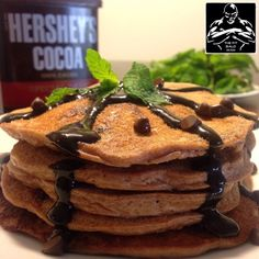 #Cellucor Mint Chocolate Chip Protein pancakes  Macros: 500 calories for pancakes. (makes approx. 4-5 pancakes) Fat-16g/Carbs-41g/Protein-33g/ Fiber-7g