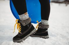 When the snow comes down, that should not be an excuse to stay indoors. Just lace up these cozy boots and get going! 🏂❄️ Shop Inka: bearpaw.com/ #LiveLifeComfortably #BearpawStyle