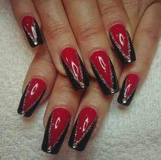Uñitas rojas - Alonsa Pin World Punk Nails, Red Nails, Glitter Nails, Fall Nails, Beautiful Nail Art, Gorgeous Nails, Pretty Nails, Fall Nail Art Designs, Red Nail Designs