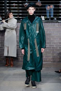 Miharayasuhiro Fall 2017 Menswear Fashion Show 1950s Jacket Mens, Cargo Jacket Mens, Green Cargo Jacket, Grey Bomber Jacket, Leather Jacket, Japan Fashion, Fashion Week, Winter Fashion, Mens Fashion