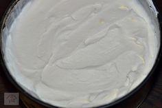 Tiramisu cu capsune - CAIETUL CU RETETE Tiramisu, Icing, Deserts, Dessert Recipes, Ice Cream, Cookies, I Love, No Churn Ice Cream, Crack Crackers