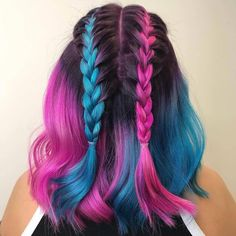 30 Short Hair Color Trends for In 2019 short color trends for short hair are in today's topic. Everone agrees on that simple short hair does not look that trendy enough when you co. Cute Hair Colors, Pretty Hair Color, Beautiful Hair Color, Hair Dye Colors, Ombre Hair Color, Hair Colour, Blue And Pink Hair, Pink Blue, Directions Hair Dye