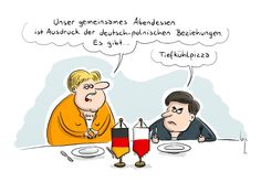Das angespannte Verhältnis zwischen Deutschland und Polen zeigt sich auch beim gemeinsamen Abendmahl. (Quelle: Mario Lars/Cartoon AG)