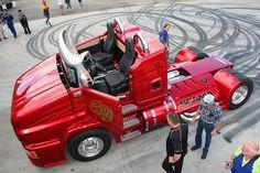 Svempa Red Pearl Big Rig Trucks, Used Trucks, Cool Trucks, Custom Big Rigs, Custom Trucks, Custom Cars, Diesel Cars, Diesel Trucks, Bugatti Veyron