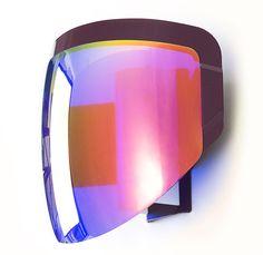 Applique Moto : Une visière de casque moto transformée en applique par Moustache