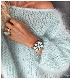 White women sweater Mohair sweater Hand Knit women cardigan Angora Wool cardigan Arm Knitting women jaket Oversize Mohair – The Best Ideas Pull Mohair, Handgestrickte Pullover, Oversize Pullover, Mohair Sweater, Wool Cardigan, Knit Sweaters, Arm Knitting, Knitting Patterns, Crochet Patterns