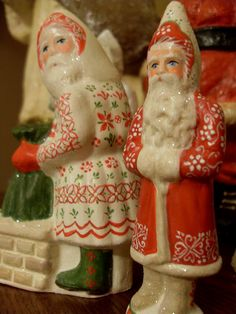 Chalkware Santas that I painted a few years ago. Nice to find them on pinterest