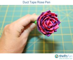 If you are looking for a fun craft for the kids to do this summer, give these a try. These beautiful roses make great gifts and are perfect to help prevent pen thievery at businesses!