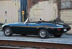 【厳選画像5選】Eタイプ最後のシリーズから、大人の魅力が溢れる一台 1974 JAGUAR E-TYPE SERIES III | CarTube[カーチューブ]