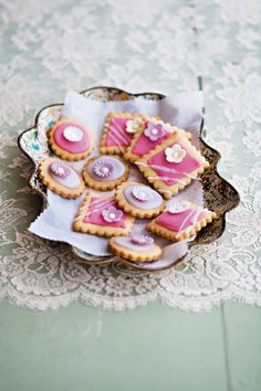 . Cookie Icing, Royal Icing Cookies, Cookie Recipes, Dessert Recipes, Desserts, Cookie Ideas, Cookie Company, South African Recipes, Recipe Steps