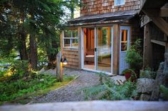 House in Tofino, Canada. About Us:  Set in Nature, Designed for Relaxation.  Tonquin Beach Suite is a beautifully appointed bright suite located in the heart of Tofino, at the head of the Lighthouse Trail. Our one-bedroom suite sleeps 4 and is within walking distance to t...