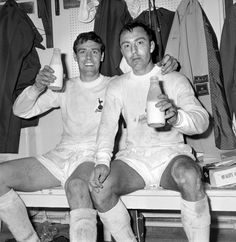 Mike England and Jimmy Greaves celebrate winning the FA Cup with a pint of milk in the dressing room after the match Tottenham Kit, Tottenham Hotspur Players, Fa Cup Final, World Cup Final, Football Pictures, Sports Photos, Tommy Steele, Jimmy Greaves, London Football