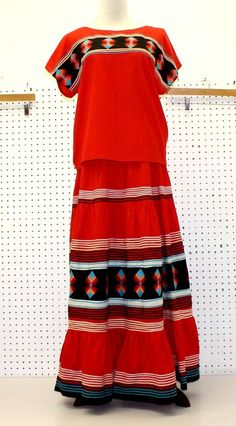 Ideas Skirt Indian Native American For 2019 Native American Clothing, Native American Regalia, Hippie Outfits, Indian Outfits, Seminole Patchwork, Navajo, Powwow Regalia, Indian Skirt, Ribbon Skirts