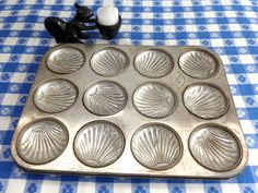 French Madeleine Pan 12 Small Shell Shape Cups by RuthsBargains