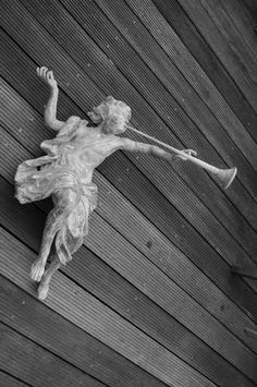 engel beeld gerestaureerd restored wooden angel herstellen beeld schoonmaken schilderij reinigen opkuisen oplossing schade schoonmaak beschadiging kunst liefhebber ambacht restaurateur d'oeuvres d'art métiers d'art probleem genezen kunstenaar herstelling art restauration paintings taxatie retouche restauratie restaurateur creatieve ambachten kunstenaars taxeren top restaurator reparatie conserveren schilderij behandeling schilderijen liefde gezellig, palet kunst kitsch retoucheren art…