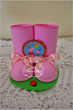 Botinhas para decoração ou centro de mesa Peppa Pig 4th Birthday Parties, 3rd Birthday, Aniversario Peppa Pig, Cumple Peppa Pig, George Pig, Garden Birthday, Pig Party, Projects To Try, Birthdays