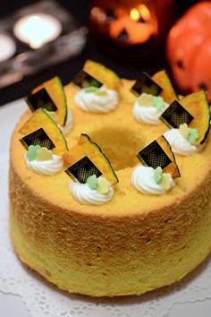 かぼちゃのシフォンケーキ|JUNAっちの食卓へようこそ!【cotta*コッタ】通販サイト Different Cakes, Chiffon Cake, Dessert Bread, Sweet Cakes, Sweet Desserts, Desert Recipes, Food Gifts, Holiday Treats, How To Make Cake