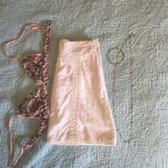 Eyelet & Crochet Mini A line, very very pretty, and a little too short for this new mama :) Size 1 Skirts Mini