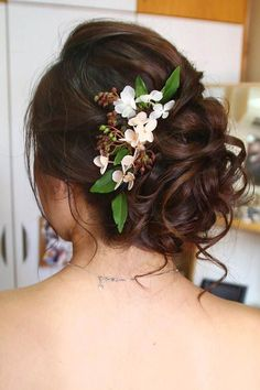 30 Bright Ideas For Fall Wedding Hairstyles ❤️ fall wedding hairstyles updo with flowers christinechiamakeup ❤️ See more: http://www.weddingforward.com/fall-wedding-hairstyles/ #weddingforward #wedding #bride #fallweddinghairstyles