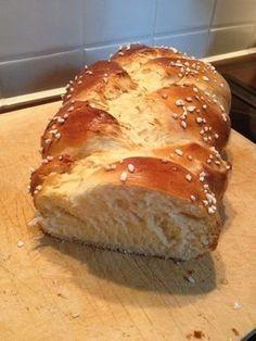 Hefezopf wie beim Bäcker, ein sehr schönes Rezept aus der Kategorie Kuchen. Bewertungen: 633. Durchschnitt: Ø 4,8.