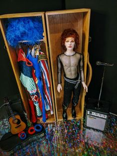 Custom doll resculpted and repainted in the likeness of David Bowie during his Ziggy Stardust era I created a custom wooden doll box wi. David Bowie as Ziggy Stardust Custom doll/trunk David Bowie Fashion, Ian Hunter, Mick Ronson, The Stooges, The Thin White Duke, Marc Bolan, Major Tom, Ziggy Stardust, Other Outfits