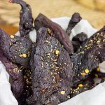 Ever made homemade jerky? It's surprisingly easy.and really delicious! This Homemade Venison Jerky Recipe is a favorite snack around our house! Venison Jerky Recipe, Homemade Beef Jerky, Jerky Recipes, Food 101, Friend Recipe, Party Food And Drinks, Food Obsession, Great Appetizers, Fall Recipes