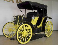 1895 Chicago Benton Harbor Autocycle Chicago Automobile Co. found on earlyamericanautomobiles.com