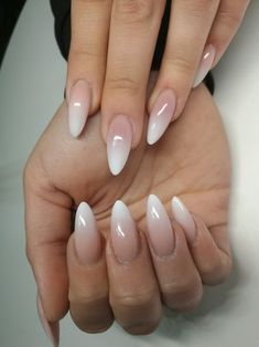 Beautiful Natural Looking Nail Design - Nails - # Nails # Nai . Beautiful, natural looking nail design - Nails - # beautiful . You are in the right place about wedding nails acr Natural Looking Nails, Natural Nails, Natural Beauty, Cute Nails, Pretty Nails, Hair And Nails, My Nails, Dark Nails, Ambre Nails