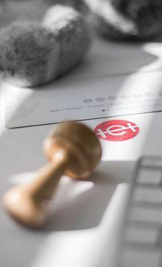 Das Logo der Werbeagentur als Stempel. Corporate Design, Web Design, Marketing, Logos, Logo Stamp, Advertising Agency, Design Web, Logo, Brand Design