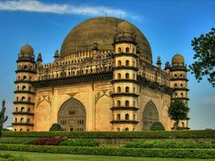 Largest Dome in India: Gol Gumbaz, Bijapur, Karnataka!  #India #dome #largestdomeofindia #GolGumbaz #Bijapur #Karnataka #architecture #mysteriouswondersofindia #acrhitecture #travel #trip #tour #yolo #usa #UCLA