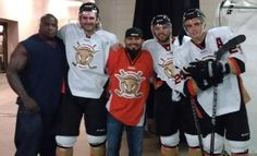 Romo drops the puck at SF Bulls hockey game