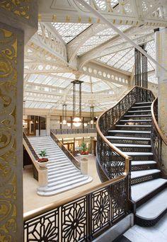 1905 Lobby remodel. Burnham and Root Rookery (1888). Frank Lloyd Wright