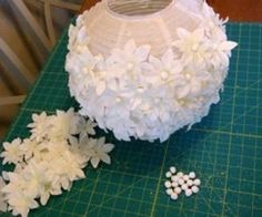 Staggering Useful Ideas: Lamp Shades Diy Recover elegant lamp shades romantic.Lamp Shades Frame Diy unique lamp shades how to make.Lamp Shades Fabric How To Make. Ikea Paper Lantern, Paper Lanterns, Paper Lantern Centerpieces, Diy Flowers, Paper Flowers, White Flowers, Cheap Flowers, Diy Projects To Try, Craft Projects