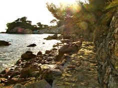 Hiking in France: The French coastal hiking trail in Toulon France