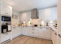 [New] The 10 Best Home Decor (with Pictures) - HAPPY SUNDAY Heres another shot of a Redrow kitchen. I LOVE the upgraded units. Starting to lose my mojo with this page at the moment. What do people want to see? Log Home Kitchens, Luxury Kitchens, Home Decor Kitchen, Kitchen Interior, Kitchen Ideas, Kitchen And Bath Design, Contemporary Kitchen Design, Redrow Homes, Kitchen Showroom