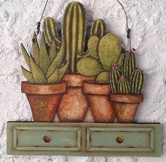 Gente é sério!!!!dá pra acreditar? Tudo pintadinho a mão 🤚 Essas lindezas de cactos 🌵 foi minha talentosíssima aluna virtual Mariene Inês que fez! Estou muito orgulhosa! Vocês concordam que ela merece muitas estrelinhas ⭐️⭐️⭐️⭐️? Comentem aí! Beijinhos #pinturacountry #decoration #madeira #dunaatelier Cactus Drawing, Cactus Painting, Cactus Art, Fabric Painting, Decoupage Vintage, Decoupage Paper, Rock Flowers, Arte Country, Country Paintings